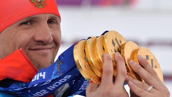 Роман Петушков (Россия), завоевавший шесть золотых медалей на XI Паралимпийских зимних играх в Сочи