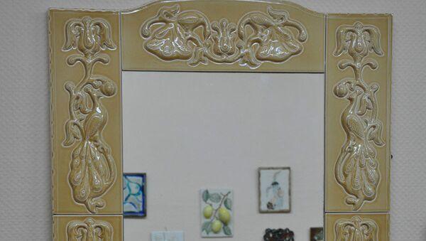 Рамка для зеркала с облицовкой