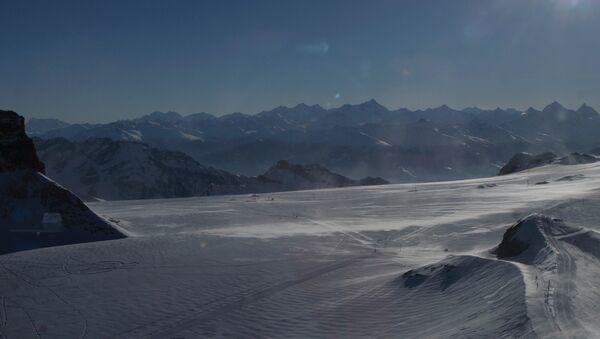 Швейцарские Альпы. Архивное фото