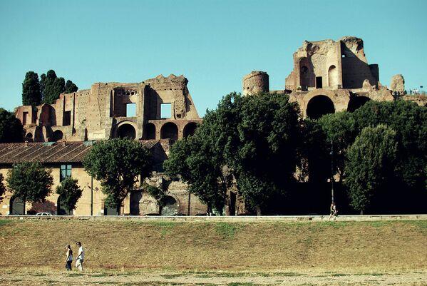 Палантин в Риме