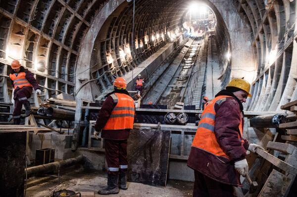 Строительство станции метро Фонвизинская