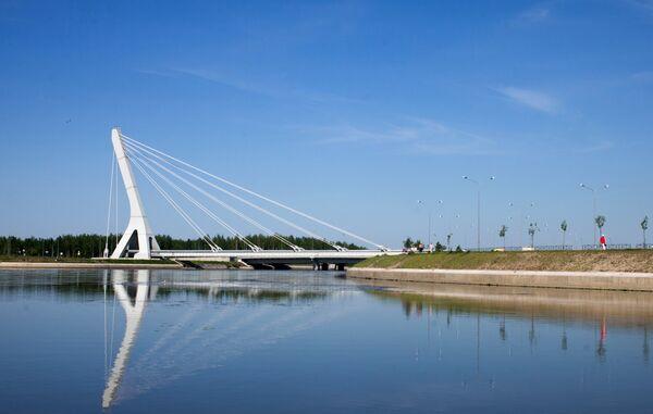 Мост через Дудергофский канал в Санкт-Петербурге