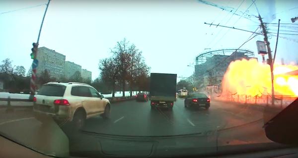 Момент взрыва на станции метро Коломенская