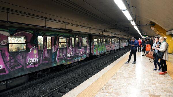 Станция Colosseo (Колизей) Римского метрополитена