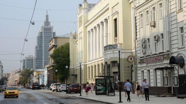 Здание театра Ленком на улице Малая Дмитровка в Москве