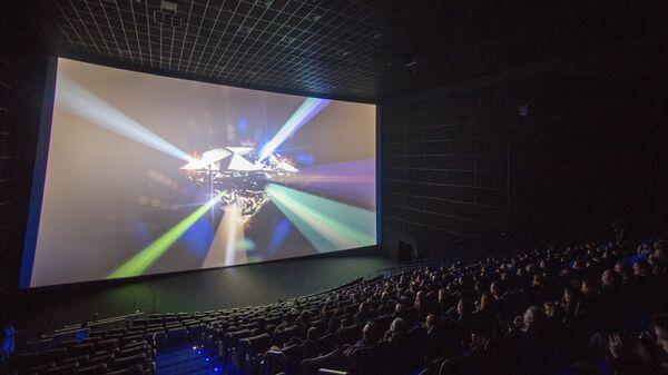 В зрительном зале на открытии лазерного кинотеатра