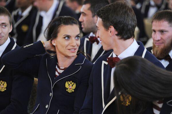 Двукратная олимпийская чемпионка Елена Исинбаева и чемпион мира  в беге с барьерами Сергей Шубенков