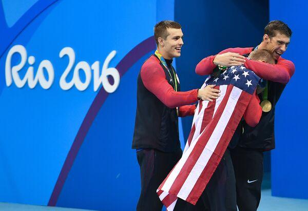 Американские пловцы, завоевавшие золотые медали в эстафете 4х100 м вольным стилем