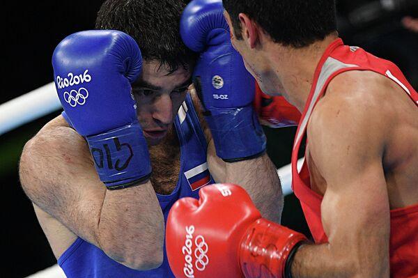 Миша Алоян (Россия) (слева) и Шахобиддин Заиров (Узбекистан)