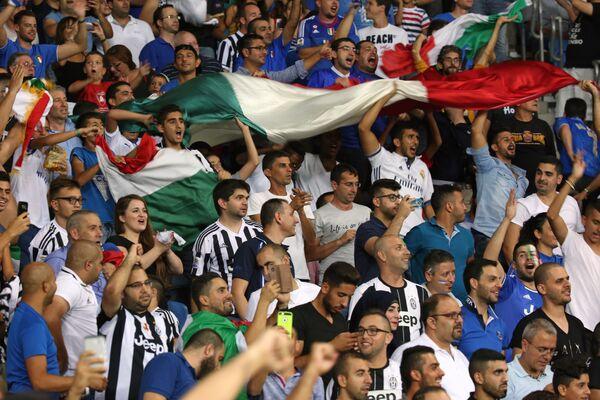Болельщики сборной Италии по футболу