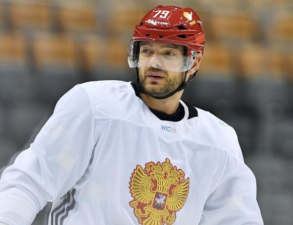 Защитник сборной России Андрей Марков на тренировке