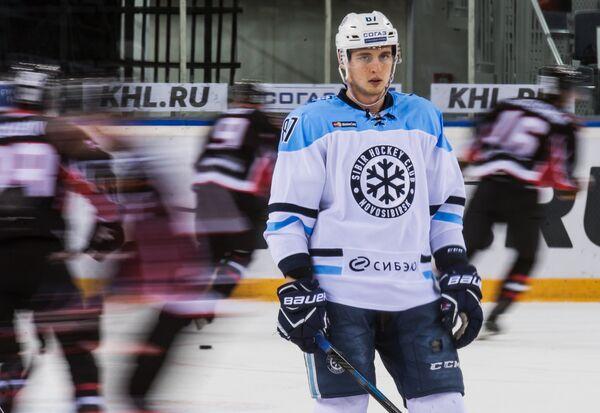 Нападающий Сибири Максим Шалунов
