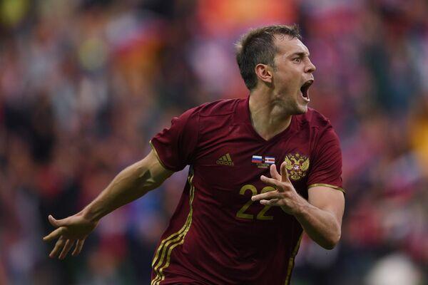 Нападающий сборной России по футболу Артём Дзюба