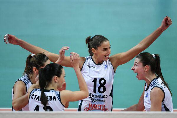 Игроки ЖВК Динамо-Казань Евгения Старцева, Элица Василева, Ирина Заряжко (слева направо)