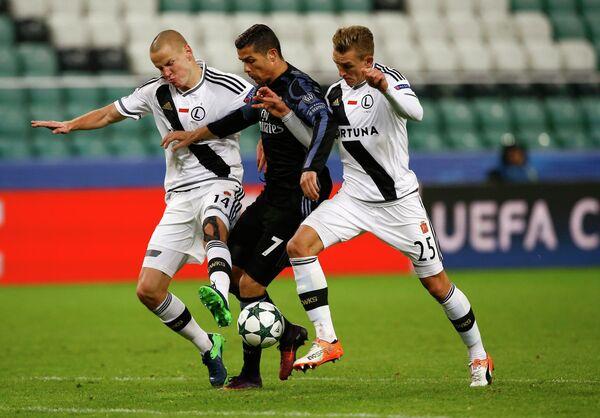 Игровой момент матча Легия - Реал