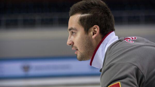 Керлингист мужской сборной команды Россия-2 Артур Ражабов