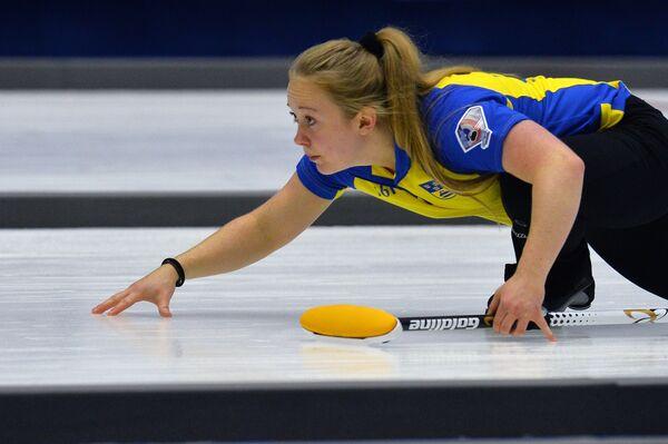 Игрок сборной Швеции по керлингу Дженни Вахлин