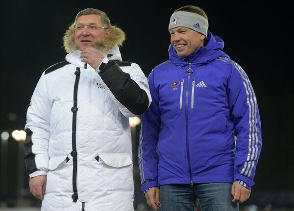 Член правления СБР Владимир Якушев (слева) и вице-президент IBU Виктор Майгуров