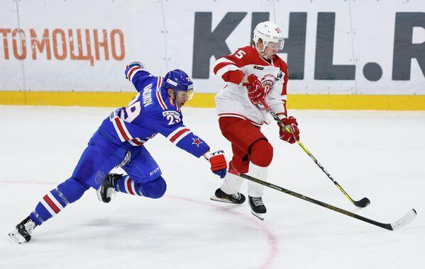 Игровой момент матча СКА - Витязь