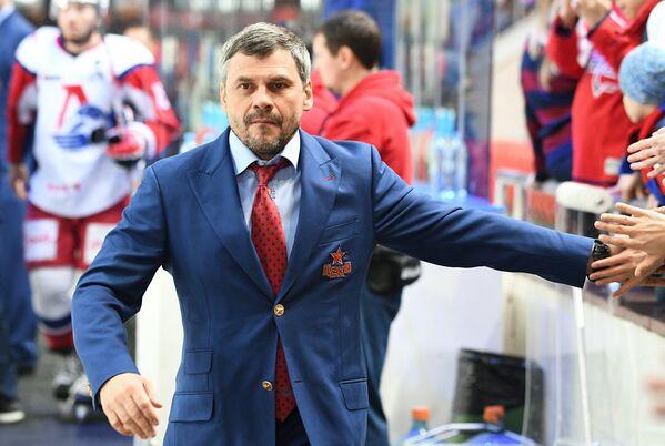 Главный тренер ПХК ЦСКА Дмитрий Квартальнов