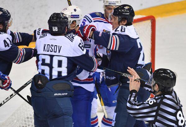 Игровой момент матча Металлург (Магнитогорск) - СКА