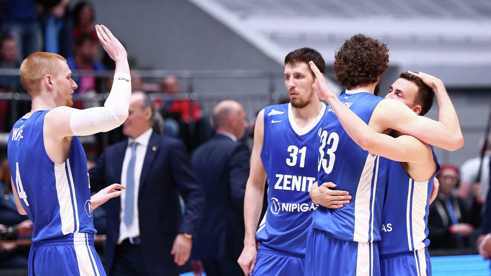 Баскетболисты Зенита радуются победе над Химками - РИА Новости, 1920, 04.09.2021