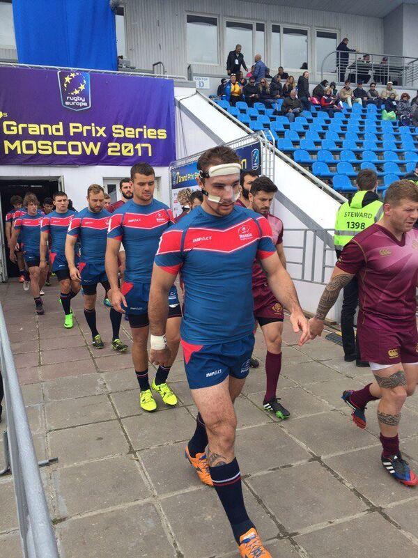 Капитан сборной России по регби-7 Владимир Остроушко (на первом плане)