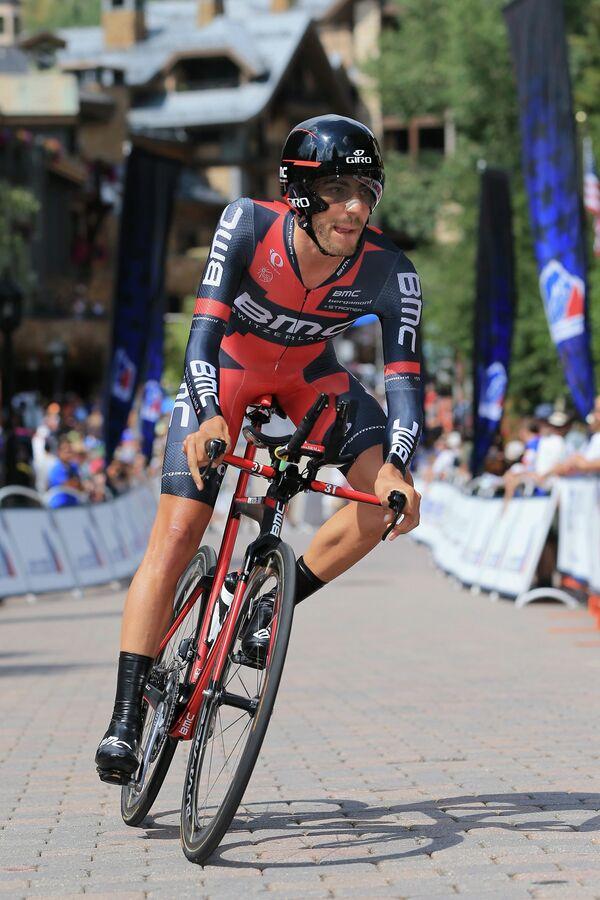 Американский велогонщик Ларри Уорбэсс