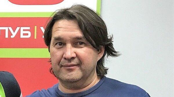 Новичок ФК Уфа Джемал Табидзе (слева) и генеральный директор башкирского клуба Шамиль Газизов