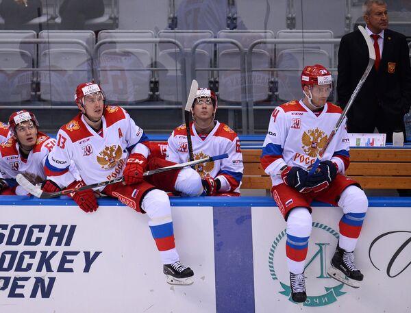 Хоккеисты олимпийской сборной России Егор Коршков, Роман Любимов, Павел Красковский, Михаил Григоренко (слева направо)
