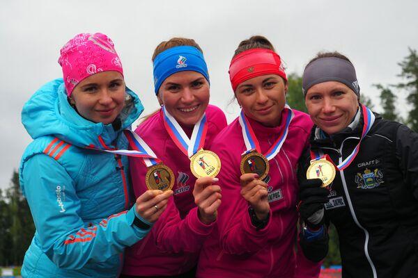 Ирина Услугина, Виктория Сливко, Екатерина Абрамова и Анастасия Загоруйко (слева направо)