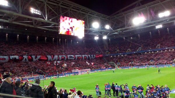 Перфоманс болельщиков Спартака на матче с Ливерпулем