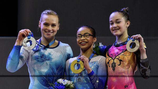 Элизабет Блэк, Морган Хард, Елена Еремина (слева направо)