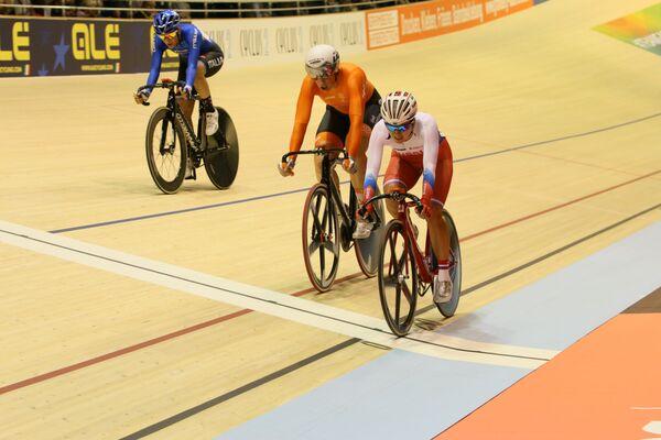 Экс-чемпионка Европы, призер чемпионата Европы по велоспорту на треке Евгения Аугустинас (справа)