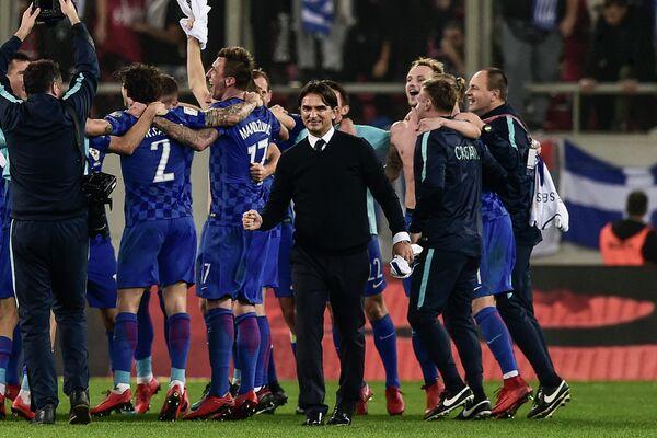 Тренер сборной Хорватии Златко Далич (в центре)
