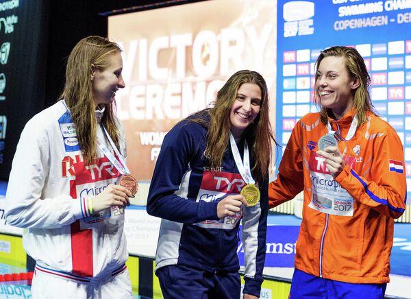 Россиянка Вероника Андрусенко, француженка Шарлотт Бонне и голландка Фемке Хемскерк (слева направо)