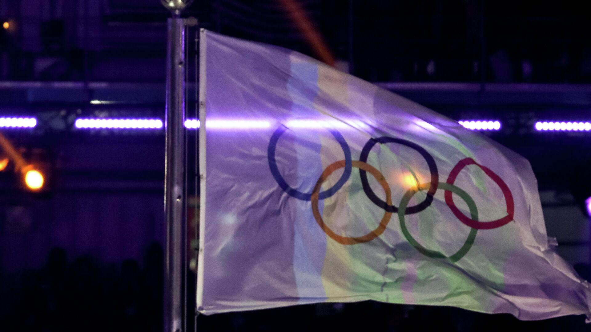 Флаги Южной Кореи и МОК (олимпийские кольца) - РИА Новости, 1920, 01.09.2020