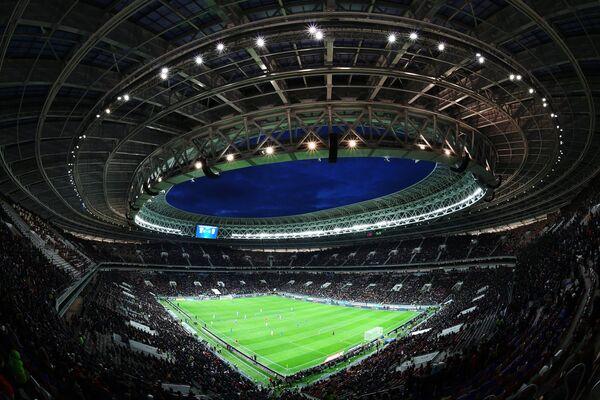Стадион Лужники во время товарищеского матча Россия - Бразилия