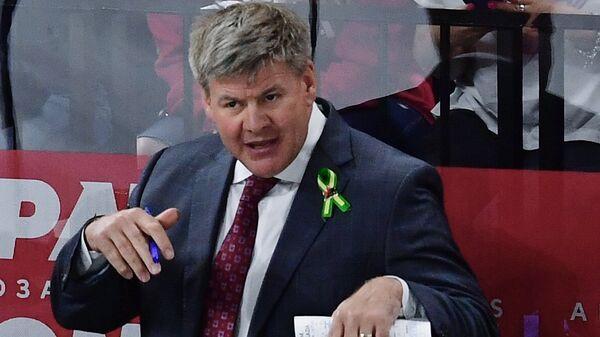 Главный тренер сборной Канады Билл Питерс