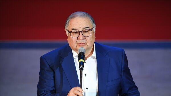 Президент Международной федерации фехтования бизнесмен Алишер Усманов