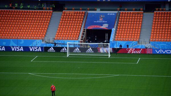 Футбольное поле Центрального стадиона Екатеринбург-Арена
