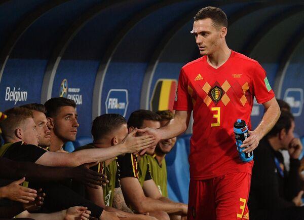 Защитник сборной Бельгии Томас Вермален (справа)