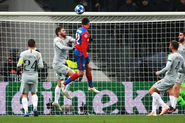 Игровой момент матча ЦСКА - Рома