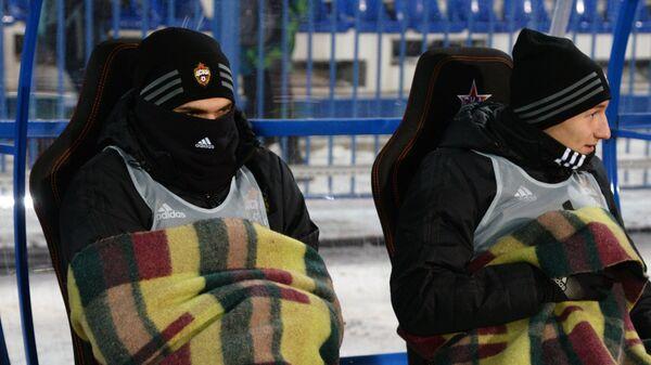Нападающий ПФК ЦСКА Фёдор Чалов (справа)