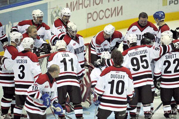 Хоккеисты ветеранской сборной звезд