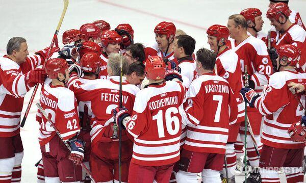 Хоккеисты ветеранской сборной России