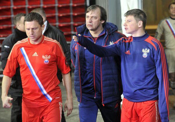 Игорь Семшов (слева)