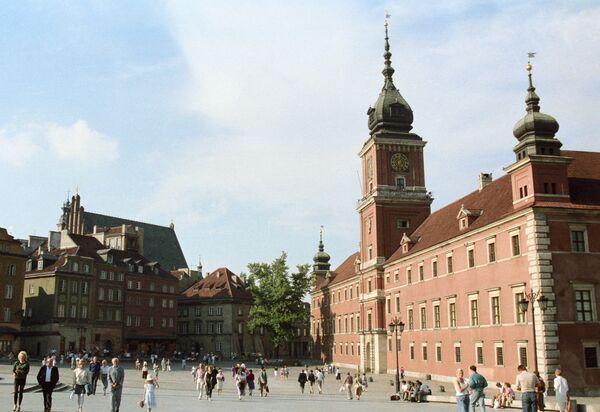Дворцовая площадь в Варшаве.