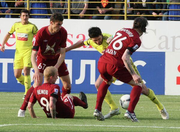 Игровой момент матча Анжи - Рубин