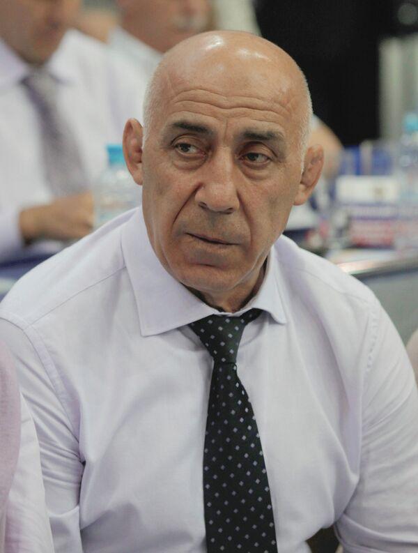 Магомед Гусейнов